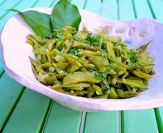 fasolakia me kymino kai ginger Tahini, Asparagus, Green Beans, Kai, Cabbage, Fruit, Vegetables, Foods, Food Food