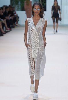Arquitetura de Sou Fujimoto serve de inspiração para a moda da marca Akris