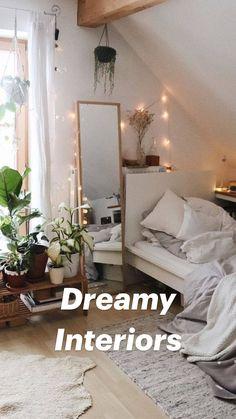 Room Ideas Bedroom, Decor Room, Home Decor Bedroom, Flower Room Decor, Square Bedroom Ideas, Mirror In Bedroom, Grey Wall Bedroom, Wall Decor, Bright Bedroom Ideas