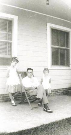 Janis, seu pai Seth Joplin e sua irmã Laura Joplin
