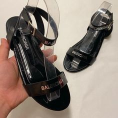Description : Material: PU Lining Material: PU Outsole Material: Rubber Toe: Open Toe Heel Height: Flat Heel Platform Height: ≤1cm Heel Type: Flat With Closu Flat Sandals, Flats, Wholesale Human Hair, Boutique Interior, Open Toe, Sneakers, Gucci Nike, Nike Heels, Platform