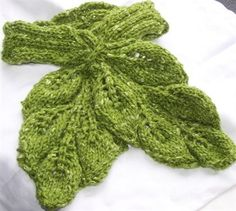 knitted neck warmer patterns | Cozy Neck Warmer - Christmas Crafts, Free Knitting Patterns, Free
