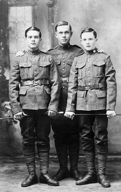 1914: Young men from Metcalfe who enlisted in the 77th Battalion, Canadian Expeditionary Force / Jeunes hommes de Metcalfe, qui se sont enrôlés dans le 77e Bataillon, Corps expéditionnaire canadien