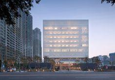 The Second Headquarters of DAEGU BANK / JUNGLIM Architecture