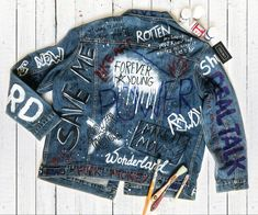 Painted Denim Jacket, Painted Jeans, Painted Clothes, Hand Painted, Butterfly Girl, Jean Jacket Outfits, Elisa Cavaletti, Battle Jacket, Look Fashion