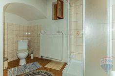 Nová cena: Rrekreačná chalupa pod Tatrami - Dovalovo :: TOP Reality Alcove, Bathtub, Bathroom, Standing Bath, Washroom, Bath Tub, Bathtubs, Bathrooms, Bath