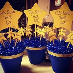 cub scout blue and gold banquet centerpieces - Bing Images by crystal mainka Cub Scout Crafts, Cub Scout Activities, Kid Activities, Tiger Scouts, Wolf Scouts, Scout Mom, Girl Scouts, Cub Scout Blue And Gold Centerpieces, Banquet Centerpieces