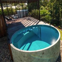 Want to install a plunge pool at your home or farmhouse? Our manufacturers deliver quality concrete plunge pools across Sunshine Coast, Brisbane, Gold Coast & Sydney. Pools For Small Yards, Small Backyard Pools, Outdoor Pool, Swimming Pool Designs, Swimming Pools, Piscine Simple, Mini Piscina, Simple Pool, Concrete Pool