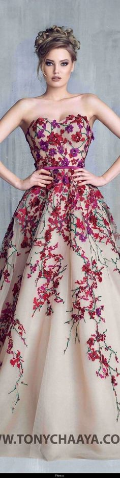 This Pin was discovered by Frezanne Broens. Discover (and save) your own Pins on Pinterest. | See more about Couture, Beautiful Dresses and Dresses.