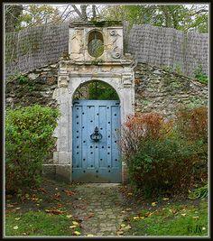 la porte bleue - Montfort-l Amaury, Ile-de-France