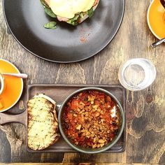 Yum! How delicious does breakfast at the newly opened Padstows Noosa look?!