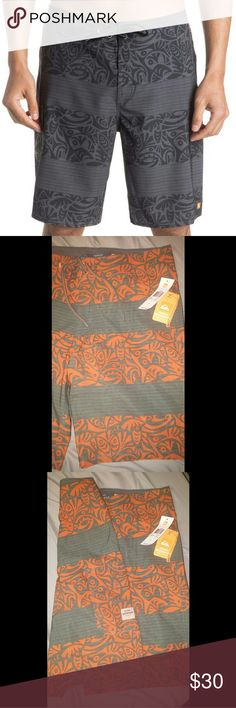 """Quiksilver Parapa 20"""" Boardshorts Premium recycled REPREVE? 4-way stretch Band print 20"""" outseam hook and loop pocket on the side with eyelets for drainage   hook and loop fly Quiksilver logo Woven Quiksilver Waterman label Orange Quiksilver label Color is Orange and Olive Green  NWT No trades but make reasonable offers:)   *Internet pictures are for accurate style depiction only, actual shorts are different colors. Quiksilver Shorts"""