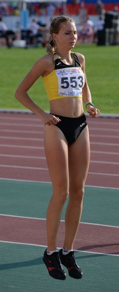 Athletic Girls, Olympic Athletes, Sporty Girls, Track And Field, Female Athletes, Olympics, Cheer, Poses, Running