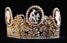 Cameo tiara made for Empress Josephine by Marie-Etienne Nitot (1811).
