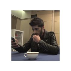 Zayn We Heart It ❤ liked on Polyvore featuring one direction, zayn malik, zayn, pictures and 1d