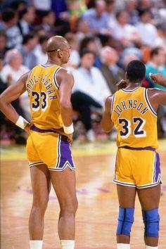 Lakers Wallpaper, Kareem Abdul Jabbar, College Basketball, Basketball Room, Nba Wallpapers, Magic Johnson, Wnba, Sports Pictures, Nba Players