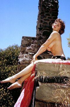 1959. Eleanor Bradley (p932)