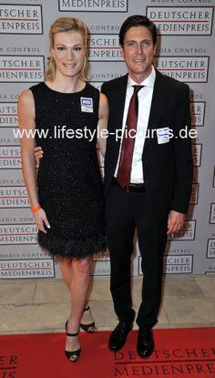 Hochzeiten-Events-Authorisierter Fotograf des Standesamtes in Baden-Baden: Maria Höfl Riesch mit Ihrem Mann Marcus beim Deuts...