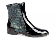 Stroll obuv, a. s. - specialista převážně na koženou společenskou, vycházkovou dámskou a pánskou obuv.