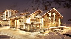 Exclusive luxury chalets with catering in the Austrian Alps - up to 18 people, Austria