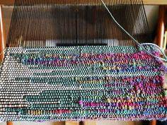 Saori style weaving                                                                                                                                                      Mais
