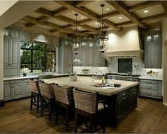 Tuscan oldworld design in this grand kitchen. Via @iamsharonpenny…""