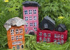 Rakenna vanhoista tiilistä kokonainen kaupunki. Tiilitalot ilostuttavat puutarhassa tai sisätiloissa. Katso Unelmien Talo