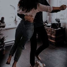 Couple Goals Relationships, Relationship Goals, I Phone 7 Wallpaper, The Love Club, Couple Aesthetic, Cute Couples Goals, Couple Pictures, Couple Photography, The Dreamers