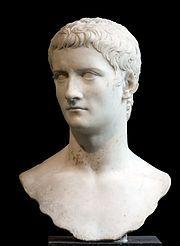 Busto di Caligola da giovane marmo