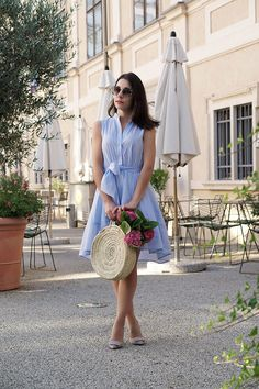 Mein leichtes Sommerkleid – 7 Ways to Wear Basket Bags Stylish Outfits, Fashion Outfits, Womens Fashion, Stylish Clothes, Formal Wear Women, Clothes 2019, Summer Outfits, Summer Dresses, Basket Bag