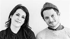 Elijah Wood and Melanie Lynskey Sure Seem Like They Feel at Home in the World