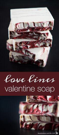 Lines Valentine Soap This pretty Love Lines Valentine Soap is lovely for DIY Valentine's Day gifts! It boasts pretty red mica veins and shimmery swirls on top and smells like roses and vanilla.This pretty Love Lines Valentine Soap is lovely for DIY Valent Making Bar Soap, Diy Cosmetic, Savon Soap, Rose Soap, Homemade Soap Recipes, Soap Packaging, Diy Décoration, Cold Process Soap, Valentine's Day Diy