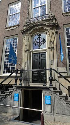 Lijn 9, halte 6 -  Herengracht. Museum Willet-Holthuysen