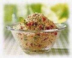 Ingrédients 300 gramme graine de couscous, moyenne 1 citron 30 gramme d'huile d'olive 1 concombre 4 tomates moyennes 2 poivrons 2 o...