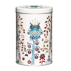 An organizing essential that is both beautiful and versatile, the iittala Taika (Magic) Tin features the enchanting artwork of Klaus Haapaniemi. Fanciful foxes and owls inhabit the whimsical woods atop