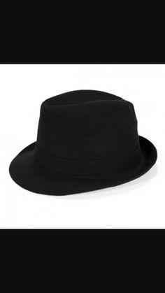 Kapelusze?? Wstyd czy Hit??  No właśnie kapelusze to najmodniejsze dodatki do wyglądu  stylówy codziennej lub eleganckiej. Serio!! Skorzystajcie i dodawajcie ten dodatek do wyglądu. 👑👑👑😱😱👍
