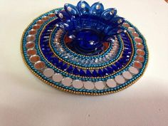Designer Kumkum Box & Acrylic Rangoli Manufacturer from Bengaluru Thali Decoration Ideas, Diy Diwali Decorations, Diwali Diya, Diwali Craft, Pottery Painting Designs, Paint Designs, Diwali Candles, Acrylic Rangoli, Cd Art