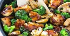 Honey Garlic Chicken Stir Fry A healthy chicken stir fry in honey garlic sauce.You can find Stir fry and mo. Healthy Chicken Recipes, Asian Recipes, Recipe For Chicken Stir Fry, Easy Chinese Food Recipes, Healthy Stir Fry Sauce, Chicken Broccoli Stir Fry, Recipe For Broccoli, Chicken And Broccoli Chinese, Gourmet