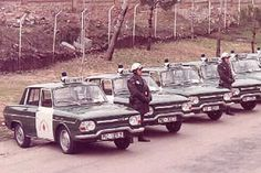 National Police, Police Uniforms, Police Cars, Wwii, Antique Cars, Classic Cars, Monster Trucks, Nostalgia, Vintage