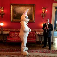 Picture of easter bunny in the White House
