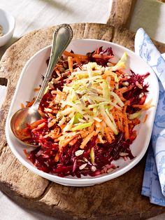 Rote Bete-Möhren-Apfel-Salat mit Honig-Senf-Dressing