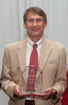 """Michael Zager '79 was given the 2012 """"Distinguished Alumnus Award"""" by the Alumni Association of the UGA College of Veterinary Medicine."""
