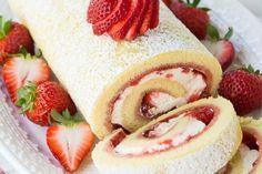 La recette du fraisier roulé au Thermomix. Une façon originale de présenter un fraisier mais surtout plus simple et plus rapide !
