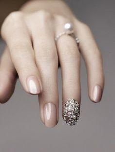 Pearl & Silver nail appliqué