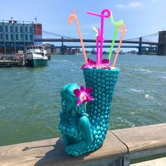 OMG, This Giant Mermaid Cocktail Contains 114 Ounces of Alcohol At the Watermark Bar, in New York City