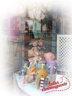 Y ya puedes encontrar nuestros productos en una cuarta tienda de Segovia:  ILUSIONARTE AMARANTHOS ESTUDIO (Carr. de Villacastín, 11) https://www.facebook.com/ilusioanrteamaranthos/  #talleramanoypunto #ganchillo #crochet #amigurumi #artesania #amano #handmade #segovia #amigurumis #amigurumidoll #crochetdoll #crocheting #instacrochet #crochê #weamiguru #uncinetto #doll #toy #あみぐるみ #игрушкикрючком #амигуруми #häkeln #letekipoki