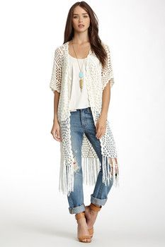 Crochet fringe vest is one of the items that can instantly give a feminine feel to your look by simp Crochet Vest Outfit, Crochet Cardigan, Crochet Vests, Long Sweater Vest, Wrap Sweater, Gilet Kimono, Cardigan Outfits, Long Vest Outfit, Outfit Jeans