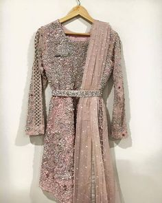 New bridal pakistani lehenga couture week Ideas Kebaya Wedding, Pakistani Formal Dresses, Muslim Wedding Dresses, Pakistani Outfits, Indian Dresses, Wedding Bride, Kebaya Modern Dress, Kebaya Dress, Couture Week