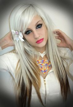 if I was 17 again I would do this to my hair. love her makeup too