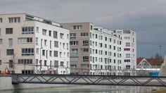 Raiffeisen und Migros-Bank möchten die finanzielle Last beim Hauskauf mit neuen Modellen berechnen. Daran stört sich die Konkurrenz.